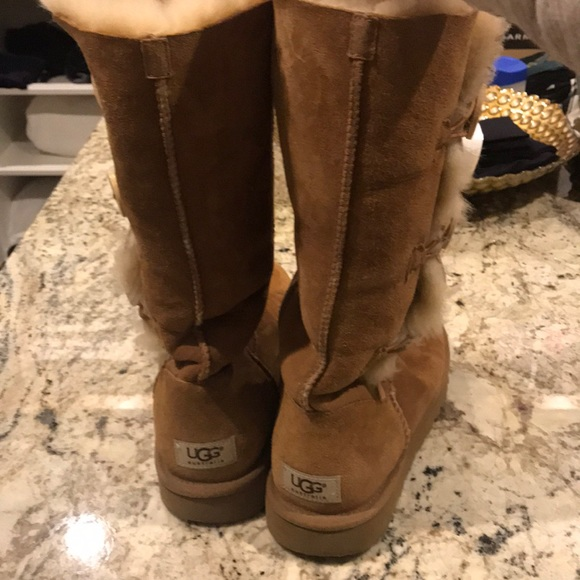 d906f4678f5 UGG 3 button Bailey boot
